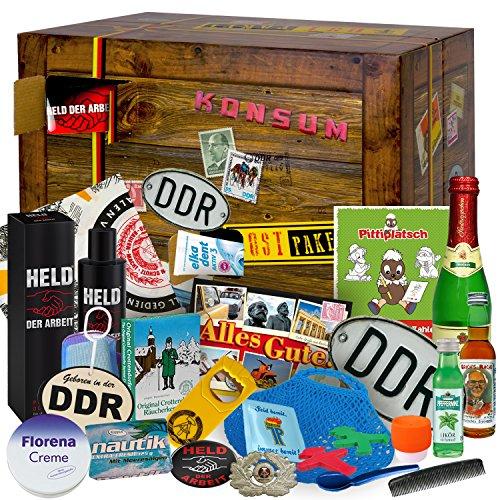 DDR 24er Geschenkbox 'OSTALGIE' 2017 mit Kondom JP Seid bereit, Held der Arbeit Magnet, Bleistift...