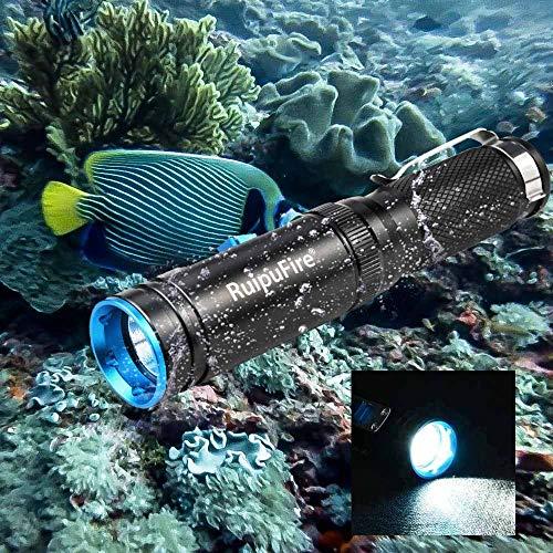 JIJI886 Lampe de Plongée LED XM-L L2 50 mètres 3 200 lumens Torche sous-Marine, Phare de Plongee,Lampe de Poche sous-Marine,Lampe de Poche Plongée IPX8 (Noir)