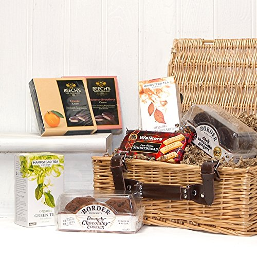 Traditional Tea and Biscuits Gift Hamper in Luxury Wicker Basket - Gift Ideas for Birthday, Congratulations and Corporate presents