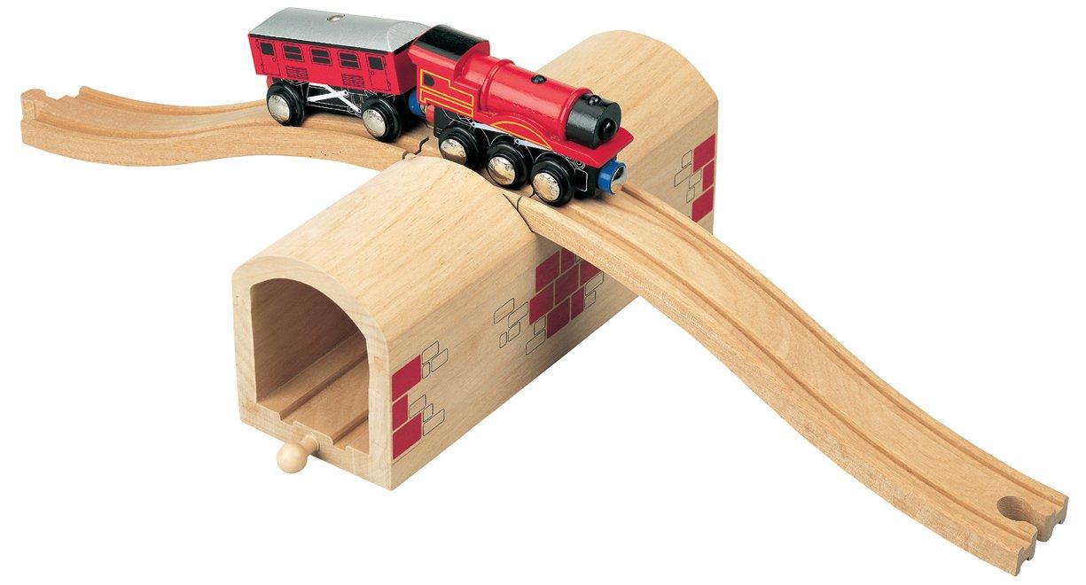 Wooden Railway - Maxim Enterprise, sopra e sotto il tunnel