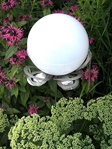 """Designer-Solarlampe \""""Lichtblüte Lilli\"""" aus hochwertigem Edelstahl mit farbwechselnder Solarkugel"""