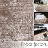 Moderner Teppich Delight taupe 80x150cm - edler Designer Teppich mit flauschig weichem Flor