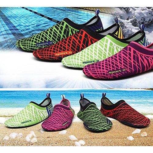 Prettyuk Unisex Strandschuhe Aquaschuhe Breathable Weiche schnelltrockene rutschfeste Schwimmschuhe geeignet für Tauchen Schnorcheln Schwimmen für Damen Herren (Colour A) Colour K