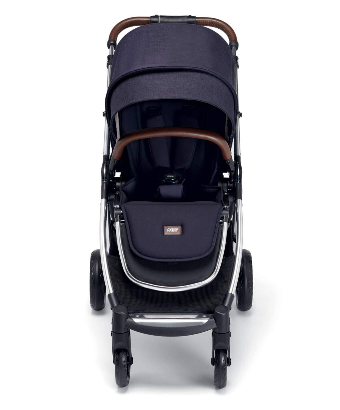 Mamas & Papas Flip XT3 Pushchair - Dark Navy Mamas & Papas PUSHCHAIR - Our lightweight Flip XT3 pushchair is perfect for handling busy streets FOLDABLE - This pushchair can be stored away quick and compact with the easy one handed fold FEATURES - The lie-flat position supports natural, healthy sleep while the UPF 50+ large hood & air vent provides cooling protection from the sun 4