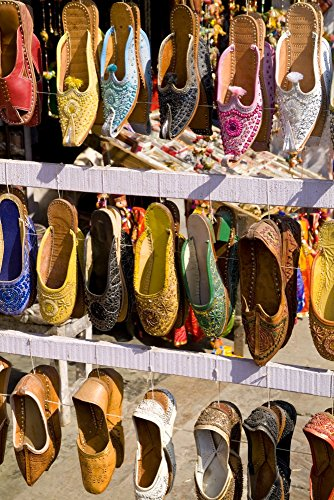 Bill Bachmann/Design Pics - India Rajasthan Jaipur Shoes for Sale for Shopping In Downtown Center of The Pink City. Photo Print (30,48 x 45,72 cm)