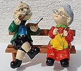 JS GartenDeko Dekorationsfigur Oma und Opa auf Bank H 28 cm Dekofiguren aus Kunstharz