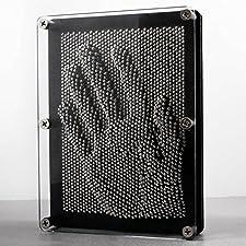 """3D Nagelbild """"Pinart""""  Original Kult: Pinart Nagelbild in der extra großen Ausführung mit 20 x 15 cm. Der absolute Klassiker aus den 80er Jahren.  Viele Tausend Nägel ermöglichen es einem durch Eindrücken einer bestimmten Figur die Konturen auf der R..."""