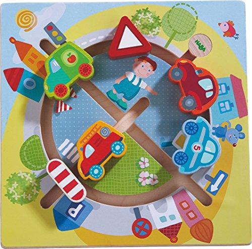 HABA 301704 - Motorikbrett Fahrzeug-Welt | Holzspielzeug ab 12 Monaten | Lustiger Autoschiebespaß mit buntem Stadtmotiv
