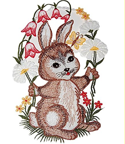 zauberhaftes Fensterbild 16x25 cm + Saugnapf Plauener Stickerei ® OSTERN Spitze OSTERHASE mit Blume Spitzenbild