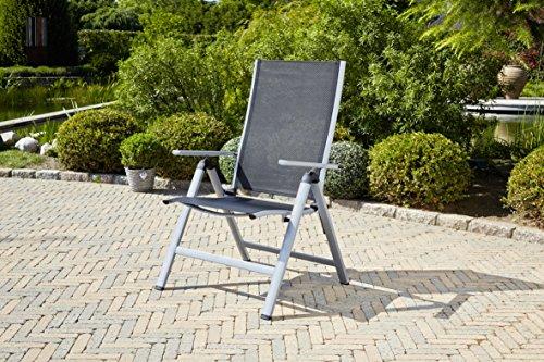 greemotion-klappsessel-monza-comfort-silber-schwarz-fuer-den-innen-und-aussenbereich-stuhl-mit-7-fach-verstellbarer-rueckenlehne-schmutzunempfindlich-und-pflegeleicht-sitzmasse-ca-55-x-42-x-44