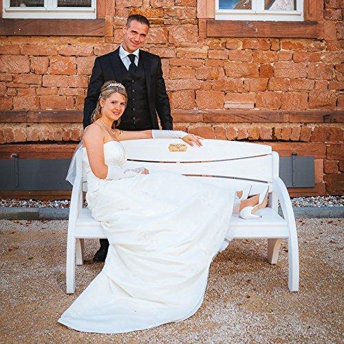 Hochzeitsbank mit Gravur, ideales Geschenk zur Hochzeit, zum Hochzeitstag oder Jahrestag – Hochwertige Holz Gartenbank mit Personalisierung aus massivem Fichtenholz - 9