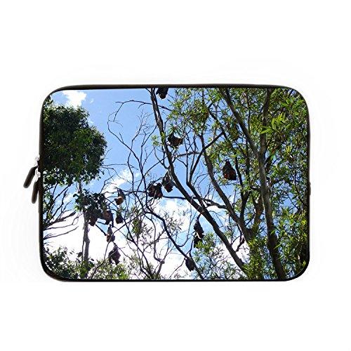 hugpillows-notebook-sleeve-hulle-tasche-stockvault-bats-hanging-from-a-tree-fallen-mit-reissverschlu