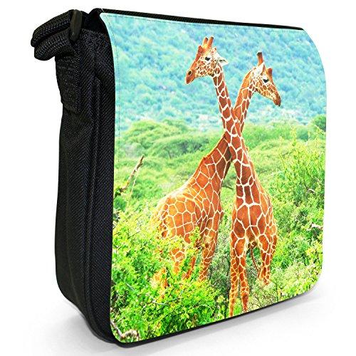 Afrikanische Giraffe Kleine Schultertasche aus schwarzem Canvas Zwei Giraffen beim Kämpfen