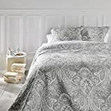 Set aus Tagesdecke und 2 Kissenbezügen - Große Größe - romantischer Stil - Farbe Grau und Weiß