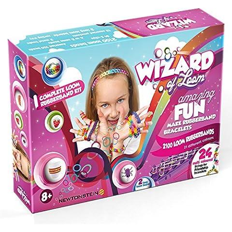 Wizard of the Loom (Magicien du Métier) - Pour faire des bracelets et des jouets - kit complet avec 2100 bandes colorées, 84 petits ressorts en forme de S, 2 métiers, 2 crochets hooks, pendentifs avec les lettres de A à Z, 100 perles, 24 amitié chaînes de bracelet, un livre avec des idées pour la conception et un manuel d