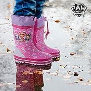La pluie et l'hiver arrivent, et il n'y a rien de mieux que de s'y préparer avec les bottes de pluie roses La Pat' Patrouille !Fabriquées en caoutchouc Cordon réglable Incluent des semelles à l'intérieur