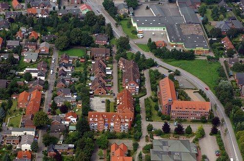 MF Matthias Friedel - Luftbildfotografie Luftbild von Otto-Wels-Straße in Büdelsdorf (Rendsburg-Eckernförde), aufgenommen am 04.08.07 um 14:26 Uhr, Bildnummer: 4788-34, Auflösung: 4288x2848px = 12MP - Fotoabzug 50x75cm (Uhr Wels)