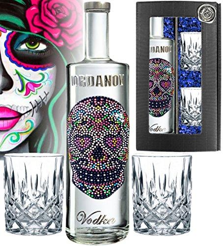 100% LOVE Skull | Luxus Vodka Geschenk-Set |inkl. 2 geschliffenen Gläsern, Geschenkkarte & edler Geschenkbox | für Frauen mit 1.000 Kristallen| Ladies Edition limited |Alternative zu rose prosecco