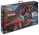 Hot Wheels FDY09 Ai Starter Kit 2.0 Street Racing, Auto Rennbahn Set mit 2 Smart Cars, 2 Controller und 22 Trackteile, ab 8 Jahren Test