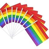 SUNREEK Rainbow Pride Gay bandiera Bastone, 50 confezioni piccole Mini Hand held LGBT Bandiere su bastoni, Decorazioni Fornit