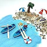 emien - kit di decorazioni in miniatura per casa delle bambole, motivo: spiaggia, per decorazioni fai da te di giardini incantati, comprende 18pezzi tra cui sabbia blu, belle ragazze, sdraio, barca, remi, ombrelloni, palme di cocco, salvagente, stella marina