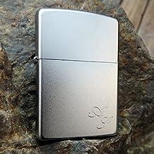 Zippo Satiniert ; Originales satiniertes Zippo- Benzinfeuerzeug mit Kostenlose Gravur auf der Vorderseite : Vorname oder Initialen