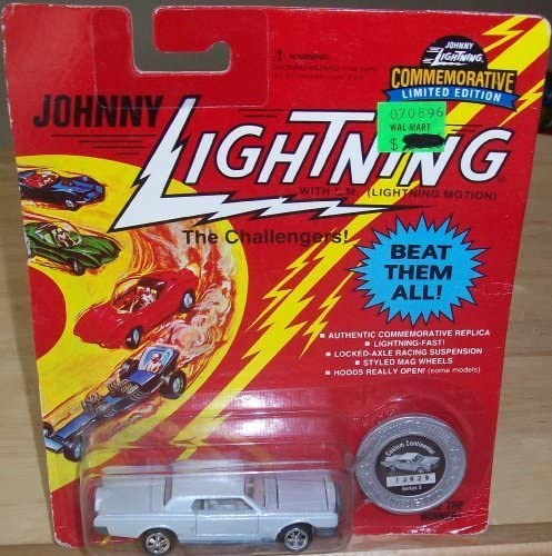 JOHNNY LIGHTNING THE CHALLENGERS! CONTINENTAL CUSTOM CONTINENTAL CHALLENGERS! by JOHNNY LIGHTNING 8135c2