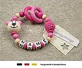 Baby Greifling Beißring geschlossen mit Namen | individuelles Holz Lernspielzeug als Geschenk zur Geburt & Taufe | Mädchen Motiv Bär in pink