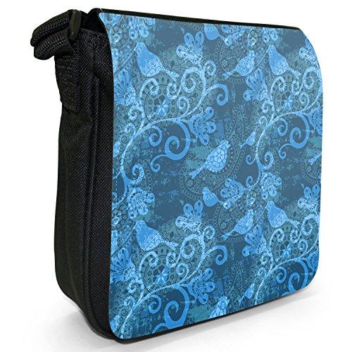 Elegante filigrane Muster Liebesvögel Kleine Schultertasche aus schwarzem Canvas Indisch Blume Vogel Design Blau