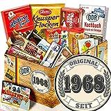 Original seit 1968 | Süßigkeiten Box | Geschenk Idee| Original seit 1968 | Ostpaket | Geschenke zum 50 Geburtstag für Männer lustig | mit Mokka Bohnen, Zetti und mehr | INKL DDR Kochbuch