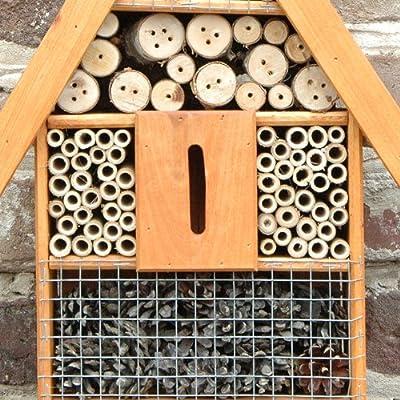 Insektenhotel Insektenhaus aus Erlenholz mit Dachschindel | 25 x 9,5 x40 cm | Nisthilfe und Überwinterungshilfe für Nutzinsekten, Nützlinge | Hilfe gegen Blattläuse oder für Bestäubung im Garten von vevendo auf Du und dein Garten