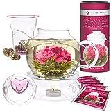 Té en flores de Teabloom Amor Eterno & juego regalo de una tetera - Tetera que da para 4-6 tazas, tapa en forma de corazón, calentador de teteras, Infusor de té de vidrio para hojas sueltas y frasco de 12 tés en flor en forma de corazón