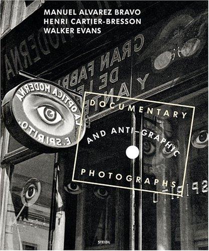 Documentary and Anti-graphic Photographs Reconstitution de l'exposition de 1935 à la Galerie Julien Levy de New York
