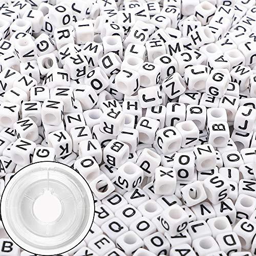 Outuxed 600 Stück Buchstaben Perlen gemischt weiße Acryl Kunststoff Alphabet Perlen Schmuckperlen zum Fädeln 6x6mm für Armbänder Halsketten Schlüsselanhänger Schmuck mit 9 m elastischer Schnur