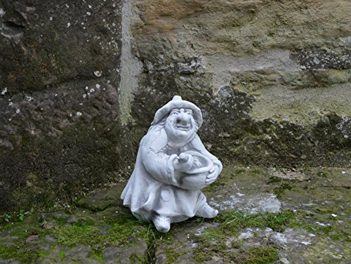 Lustige Hexe mit Kochtopf aus Steinguss, frostfest - 2