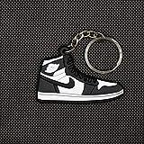 VAWAA Mini Aj1 Llave Colgante Color Clásico Jordan 1 Generación Zapatillas De La Cadena Personalizada AJ Llavero Baloncesto Zapatos Clave Anillo para Hombres
