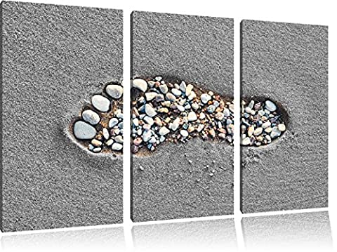 Footprint in the sand Black / White 3-piece canvas picture