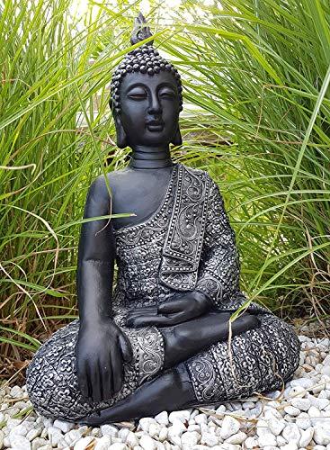 Sitzender Buddha für den Innen- und Außenbereich(frostfest), Statue als mediativer Ruhepunkt im Garten oder Raum, Steinfigur, Deko-Figur mit 45 cm Höhe 29 cm Breite und 18 cm Tiefe, silber und schwarz | Garten > Dekoration | K&L Wall Art