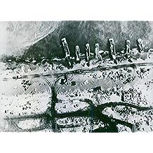 Vintage photo de antena view de siete barcos en bahía de Masacre de aterrizaje en la isla de ATTU en la Aleutians.