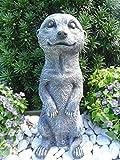 Steinfigur Erdmännchen, Gartenfigur Steinguss Tierfigur Basaltgrau