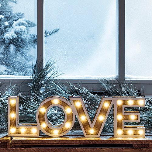 Scritta decorativa LOVE in legno con LED a pile di Lights4fun