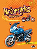 Motorcycles on the Move (Lightning Bolt Books ® — Vroom-Vroom) (English Edition)