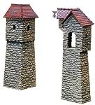 Faller 232352 2 Altstadt-Wehrtürme Spur N 1:160verwendbar für den Abschluss und die Verbindung von Altstadt-Mauerteilen.Je ein Wehrturm in 45° und 90°. Der 90°-Wehrturm kann wahlweise als Winkel- bzw. als geradliniges Turmzwischenteil gebaut werden....