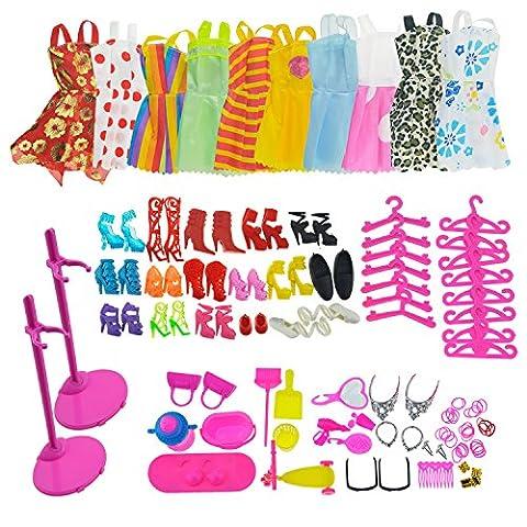 ASIV 10Pcs Mini Mignon Jupe, 14 paires de Chaussures, 10Pcs Cintres, 2Pcs Poupée Affichage Prise en charge Stand Titulaires avec les accessoires de bijoux et Articles de ménage pour Barbie Doll, 68 Pièces