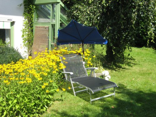 Chaise longue compartiments Parasol – Stabielo Exclusive compartiments Holly 'sun ® couleur bleu foncé – Housse – amovible + lavable + échange Bar – UPF 30 + 40 + 50 + résistant aux intempéries, imperméable, lumière 5–6 en polyester 160 g – Aufgespannt 140 x 70 cm – LumièreProtection avec Holly® Rayon 5 Compartiment dans le support multi – réglable de Chaise de Table Fixation de balcon pivotant à 360 ° avec capuchons de protection en caoutchouc Pinces pour fixation sur ou eckigen Éléments de Ø 25–55/60 mm Ronds – Production Housses de Montagne – Modèle Husum – Holly-Sunshade®