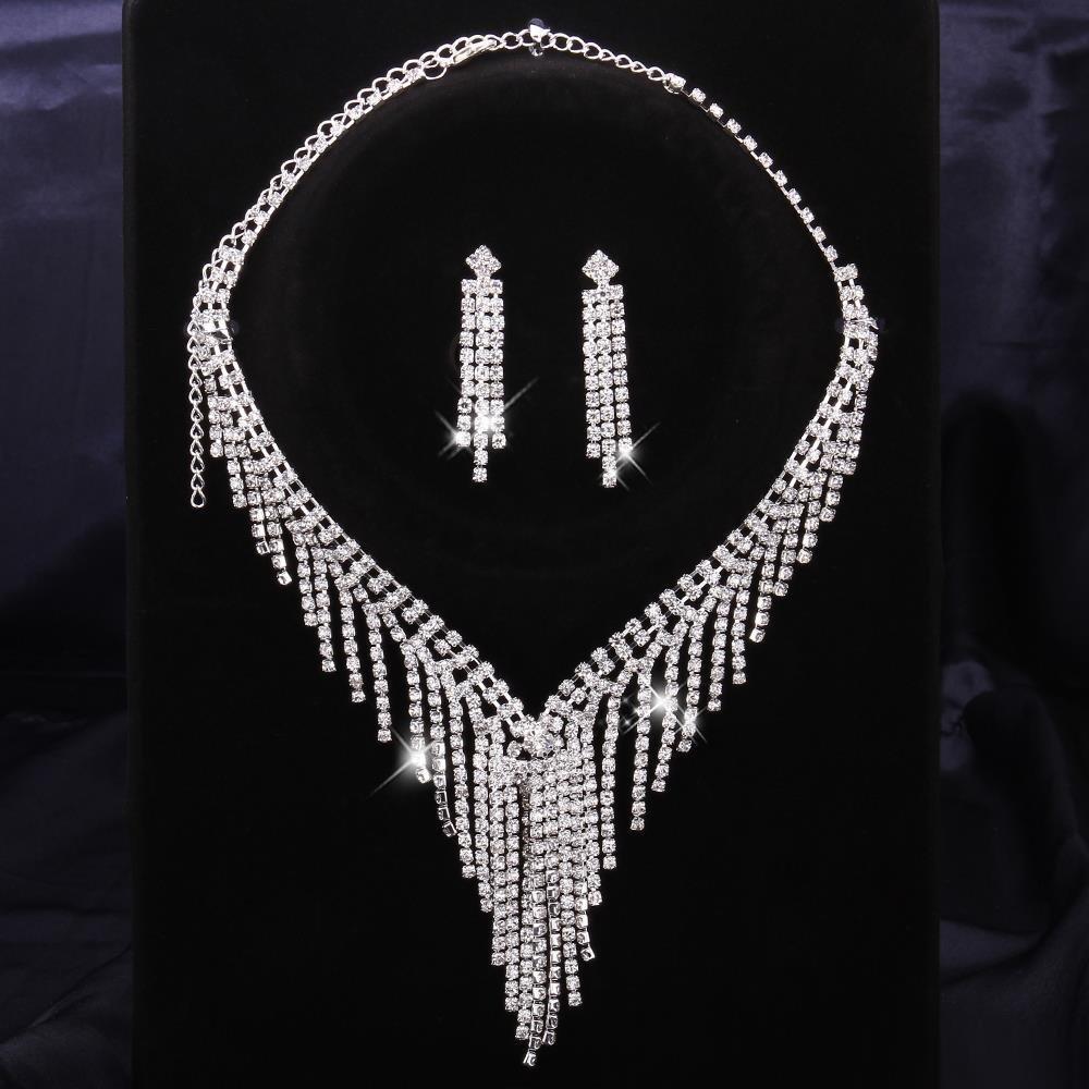 Collana Di Punzonatura + Orecchini Dell'Orecchino Collana Geometrica Dell'Ornamento Della Collana De