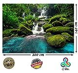Fototapete Wasserfall im Wald green forest Natur HD XXL 2-teilige Foto-Tapete 200cm x 140cm Hochauflösende Wanddekoration Bild Wandtapete | Fotoposter Landschaft Bäume Wasser | (200 cm x 140 cm)