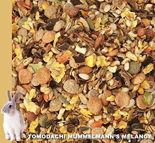 Kaninchen Futter, Kaninchennahrung ohne Pellets mit Erdnüssen, Sonnenblumenkernen, Kardi, Möhrenflocken, Erbsenflocken, Maisflocken – leckere bunte Kaninchenfuttermischung, Alleinfutter für Kaninchen, Rundum-Sorglos Futtermischung Tomodachi Mümmelmanns Melange 1kg Eimer - 6