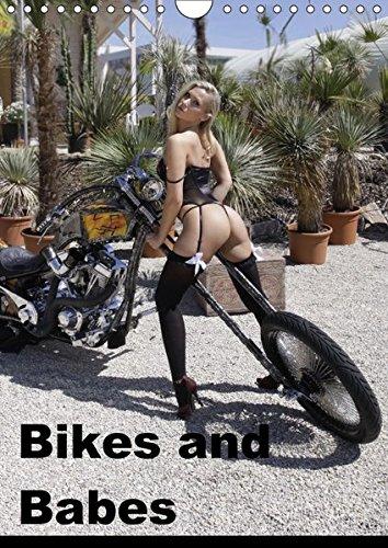 Preisvergleich Produktbild Bikes and Babes (Wandkalender 2018 DIN A4 hoch): Motorräder und Mädchen (Monatskalender, 14 Seiten ) (CALVENDO Menschen)