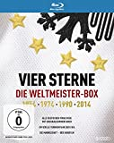 Vier Sterne - Die Weltmeister-Box - 1954 1974 1990 2014 / Alle deutschen Finalsiege mit Originalkommentaren von ARD und ZDF + Die offiziellen Turnierfilme der FIFA + Die Mannschaft (5 Blu-rays) - ManuelNeuer, MatsHummels, Lothar Matthäus, RudiVöller, JürgenKlinsmann